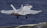 Một máy bay quân sự Mỹ trên biển Đông trong tháng trước. (Ảnh: AP)