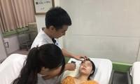 Chị L. được khám và điều trị tại bệnh viện.