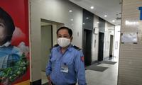 Nhân chứng kể lại khoảnh khắc hai người rơi từ tầng 2 chung cư ở Hà Nội