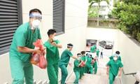 Sau tâm thư của Thứ trưởng Bộ Y tế hơn 1.300 người 'ra trận' chống dịch
