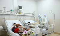 Bệnh nhân COVID-19 nhập viện tại TPHCM giảm sâu