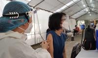 TPHCM: Đã tiêm gần 9 triệu mũi vắc xin ngừa COVID-19