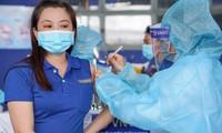 TPHCM: Thời gian giãn cách 2 mũi Astra Zeneca rút ngắn xuống 6 tuần