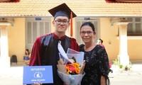 """Thủ khoa """"hai đầu"""" ở trường ĐH KHTN (ĐHQG TP. HCM) và bài tâm sự cảm động ngày tốt nghiệp"""