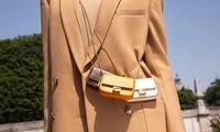 Túi xách ngày càng thu bé lại, làm sao giảm bớt những thứ mang theo cho vừa?