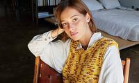 Áo len sweater vest chính thức trở lại, nhưng phiên bản 2021 có khác đôi chút