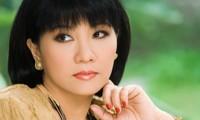 Ca sĩ Cẩm Vân nghẹn ngào đón sinh nhật tuổi 61 và xa cách gia đình