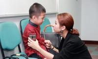 Con trai Vân Hugo cũng mắc sang chấn tâm lý khó chữa