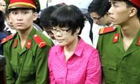 Huỳnh Thị Huyền Như (áo đỏ). Ảnh: H.D.