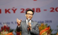 Phó Thủ tướng Vũ Đức Đam đối thoại với đại biểu tham dự Đại hội Hội sinh viên Việt Nam khoá X. Ảnh: Như Ý.