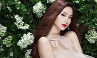 Showbiz 2/7: Minh Hằng khoe nhẫn kim cương khủng, rộn tin sắp kết hôn