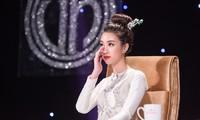 Hoa hậu Mỹ Linh nghẹn lời khi em bé bị bỏ rơi ở hố gas qua đời