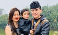 Đan Trường và bà xã Thủy Tiên cùng con trai Thiên Từ.