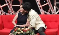 Đan Trường hôn Cẩm Ly trên sóng truyền hình