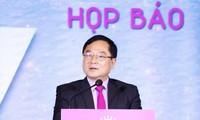 Nhà báo Lê Xuân Sơn tại họp báo khởi động cuộc thi Hoa hậu Việt Nam 2020.