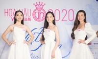Top 60 thí sinh HHVN 2020 khoe vẻ xuân thì trong đầm trắng tinh khôi