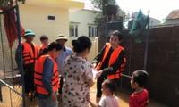 BTC Hoa Hậu Việt Nam tiếp tục cứu trợ ở Quảng Bình, nhiều nơi vẫn tan hoang ngập lụt nặng