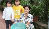 Những hình ảnh mới bình dị, đáng yêu của Hoa hậu Đỗ Thị Hà ở quê nhà
