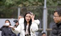 Showbiz 10/1: Ảnh đời thường mới xinh đẹp của Hoa hậu Đỗ Thị Hà