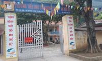 Trường Tiểu học-THCS Mỏ Đá, nơi ông Q công tác rất gần gia đình bà T. Hiện cả hai đang bị tạm đình chỉ công tác .Ảnh: Duy Chiến