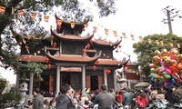 Chùa Thành vẫn hoạt động bình thường, mỗi ngày đón hàng nghìn lượt khách đến vãn cảnh chùa đầu năm .Ảnh: TL
