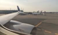 1001 thắc mắc: Vì sao lại có lỗ bé xíu trên cửa sổ máy bay?