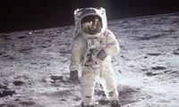 Nếu không có đồ bảo vệ, cơ thể con người sẽ trương phồng khi ra ngoài vũ trụ.