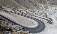 1001 thắc mắc: Sao không làm đường thẳng tắp lên đỉnh núi?
