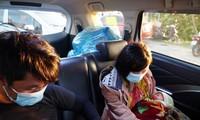 Gia đình bé 9 ngày tuổi chạy xe máy từ Bình Dương đã về tới quê nhà Nghệ An