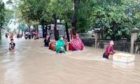 Một người mất tích, gần 700 ngôi nhà bị ngập, dân di dời khẩn cấp do mưa lớn ở Nghệ An