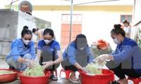 Áo xanh tình nguyện 'chia lửa' cùng tuyến đầu chống dịch vùng rẻo cao xứ Nghệ