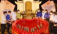 Thắp nến tri ân tại Ngã ba Đồng Lộc