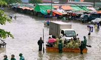 Hàng ngàn ngôi nhà ở Nghệ An bị ngập, 3 người chết do mưa lũ