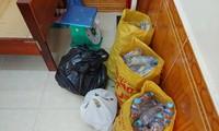 Nhận nước ngọt miễn phí từ nhóm người lạ, 9 học sinh đau bụng, buồn nôn