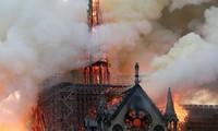 Các nhà điều tra đang tiến hành làm rõ nguyên nhân vụ cháy Nhà thờ Đức Bà Paris