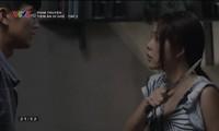 Dương Cẩm Lynh trong vai bà mẹ đơn thân, phải dùng dao tự vệ với chồng cũ