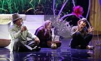 Vân Dung duyên dáng trong chương trình Chào 2020 của Nhà hát Tuổi trẻ
