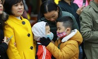 Nhiều người dân đeo khẩu trang trước nguy cơ lây lan dịch corona