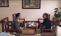 Mai Hồng Vũ chạy tới cửa Trưởng Ban Nội chính