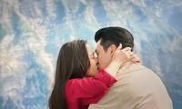 """Huyn Bin và Ye Jin khóa môi ngọt ngào trong tập cuối """"Hạ cánh nơi anh"""""""