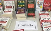 Người mua cần cảnh giác để tránh mua phải sách giả