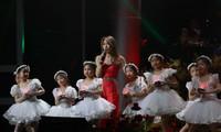 """Mỹ Tâm góp giọng trong MV """"We are the family"""""""