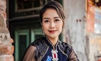 MC Phí Linh là MC xinh đẹp, một trong những gương mặt nổi bật trong dàn MV của VTV