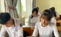 Ảnh: Học sinh tỉnh Quảng Nam và một số địa phương đã dừng tới trường để phòng dịch.