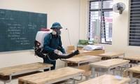 Hà Nội hướng dẫn các trường chuẩn bị đón học sinh trở lại trường học.