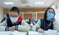 Học sinh nhiều địa phương tiếp tục được nghỉ học kéo dài vì dịch bệnh.