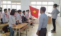 Vĩnh Phúc tổ chức chào cờ tại lớp trong thời gian học sinh đi học.