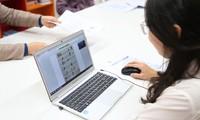 Học sinh học trực tuyến phải có thiết bị kết nối internet.