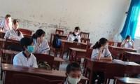 Học sinh ngồi cách nhau 2m (ảnh Sở GD&ĐT Cà Mau)