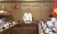 Bộ trưởng Phùng Xuân Nhạ phát biểu tại cuộc họp.